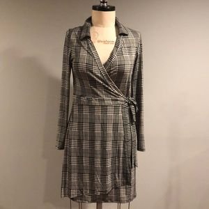 Have plaid print wrapped dress